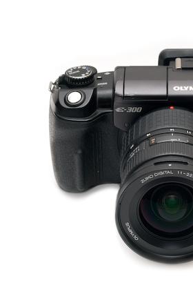 OLYMPUS E-300 , Zuiko Digital 11-22mm F2.8-3.5